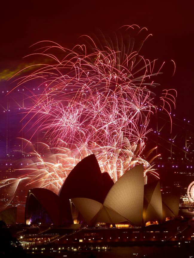 Bầu trời Úc rực rỡ thời khắc Giao thừa: Pháo hoa Cầu vồng ăn mừng nước Úc hợp pháp hôn nhân đồng giới - Ảnh 11.