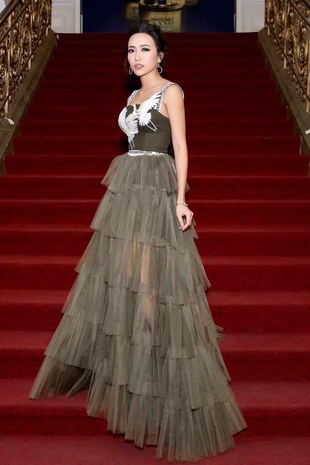 Diệu Nhi bất ngờ bị cư dân mạng tố mặc váy nhái Dior - Ảnh 2.