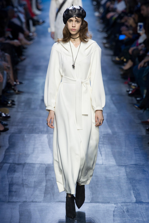NTK Đỗ Mạnh Cường và giới mộ điệu Việt chê ỏng chê eo BST mới nhất của Dior - Ảnh 20.