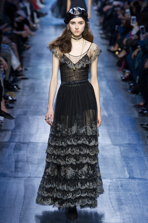 NTK Đỗ Mạnh Cường và giới mộ điệu Việt chê ỏng chê eo BST mới nhất của Dior - Ảnh 26.