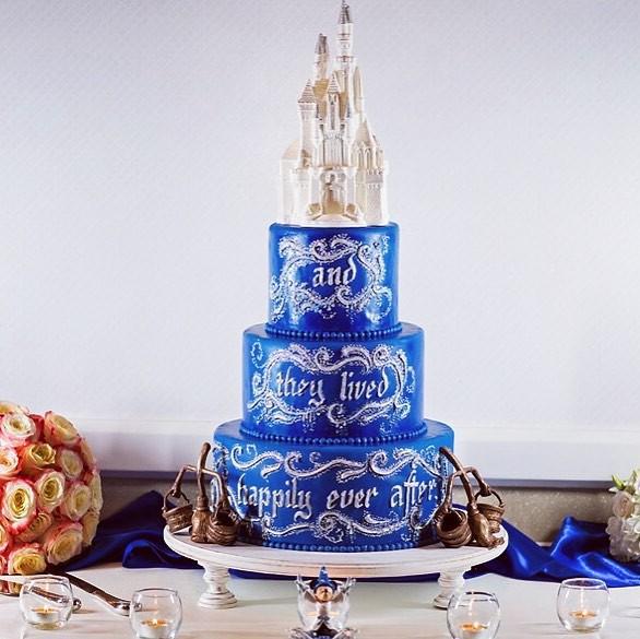 15 mẫu bánh cưới cảm hứng từ phim hoạt hình Disney - Ảnh 19.