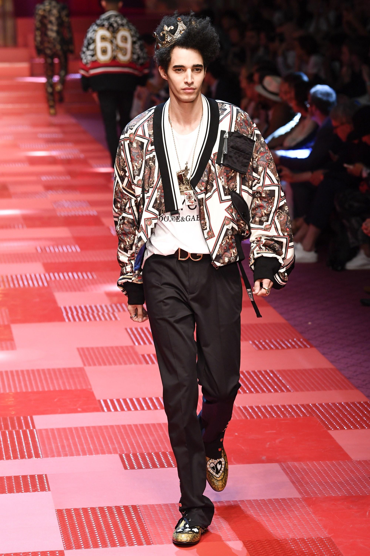 Sàn diễn Dolce&Gabbana thành Đại hội mỹ nam, nổi nhất là Mario Maurer và Vương Tuấn Khải! - Ảnh 9.