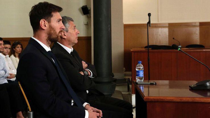 Ronaldo bị khiếu nại trốn thuế gấp 40 lần Messi - Ảnh 2.