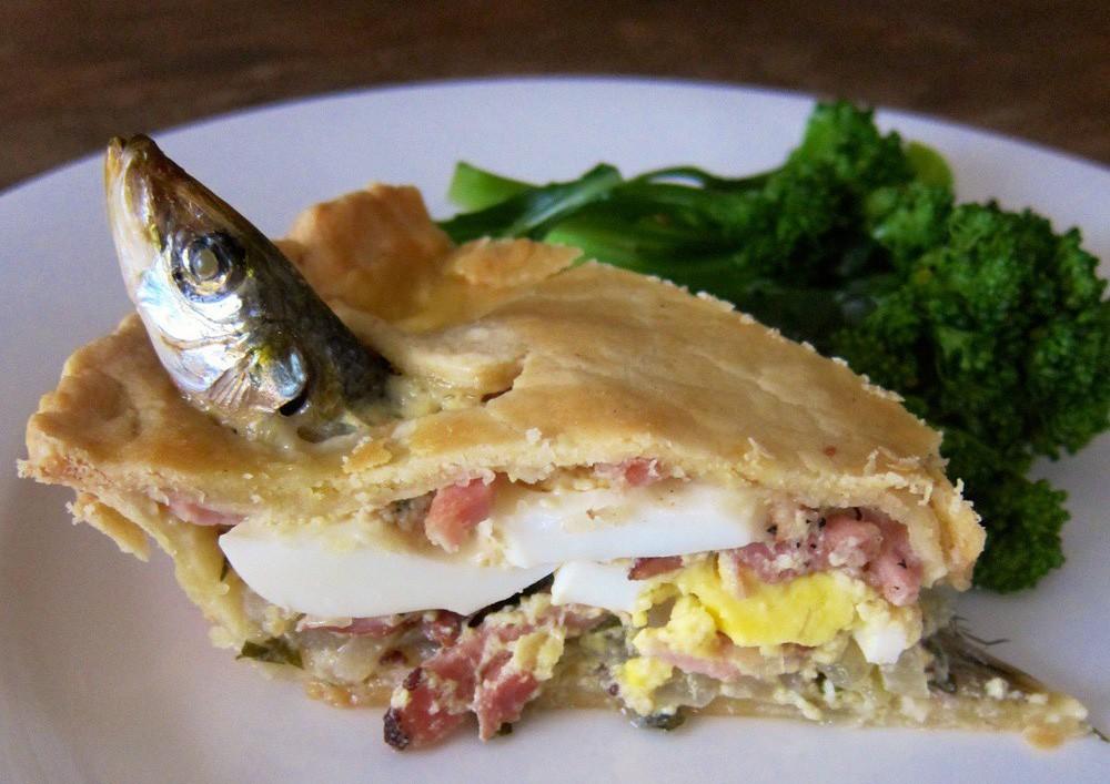 Có gì độc đáo trong chiếc bánh toàn là đầu cá ở nước Anh? - Ảnh 5.