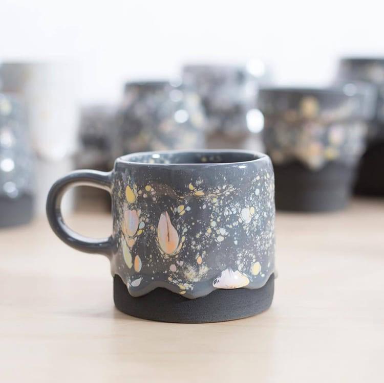 Bộ sưu tập cốc chén từ gốm nặn tay đẹp lung linh tựa cầu vồng - Ảnh 17.