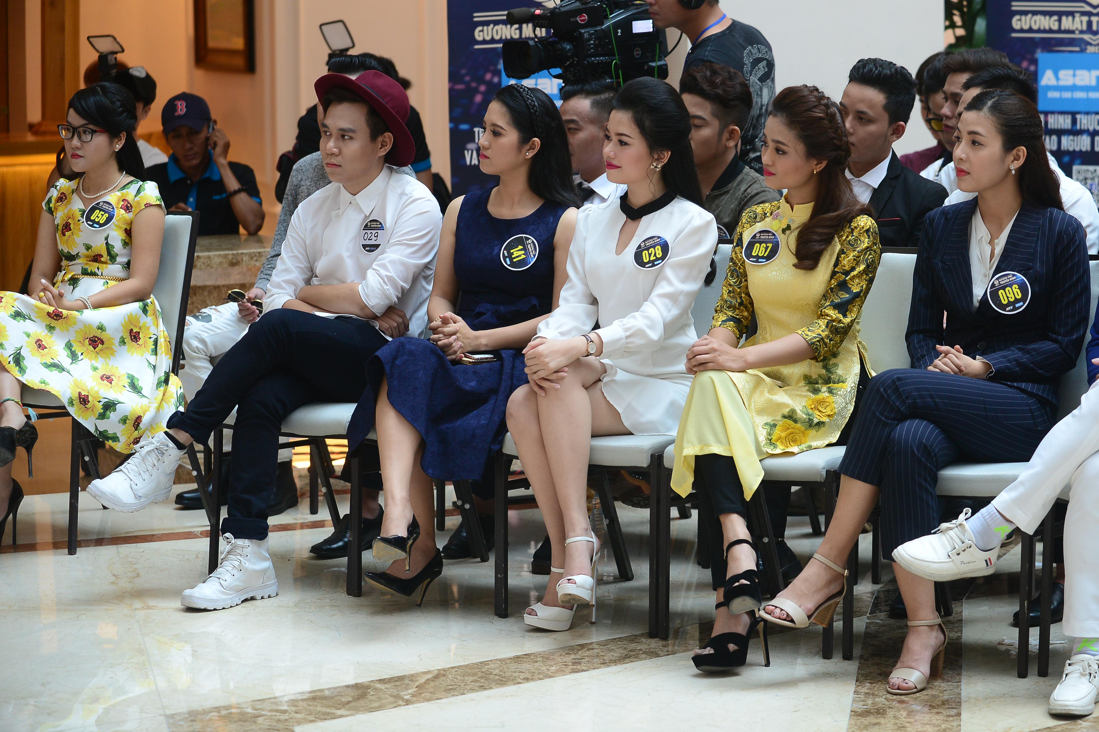 Không phải The Face, Phạm Hương góp mặt trong show thực tế về nghề MC - Ảnh 4.