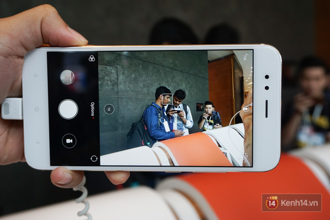 Trên tay smartphone tầm trung Mi A1 vừa ra mắt của Xiaomi: thiết kế đẹp, có camera kép và giá 5,3 triệu đồng - Ảnh 13.