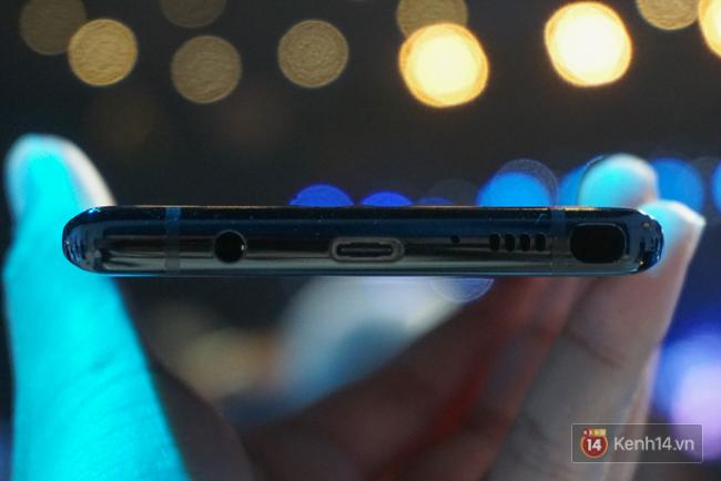 Trên tay Samsung Galaxy Note8 vừa ra mắt tại Việt Nam: Thiết kế rất ấn tượng, giá 22,5 triệu đồng! - Ảnh 4.