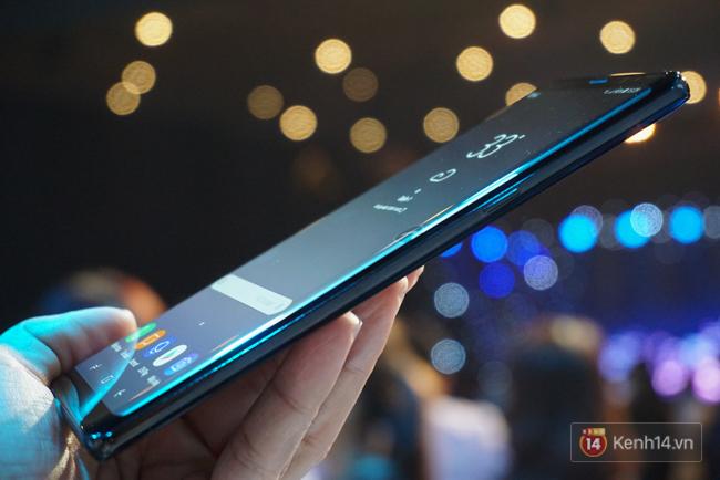 Trên tay Samsung Galaxy Note8 vừa ra mắt tại Việt Nam: Thiết kế rất ấn tượng, giá 22,5 triệu đồng! - Ảnh 5.