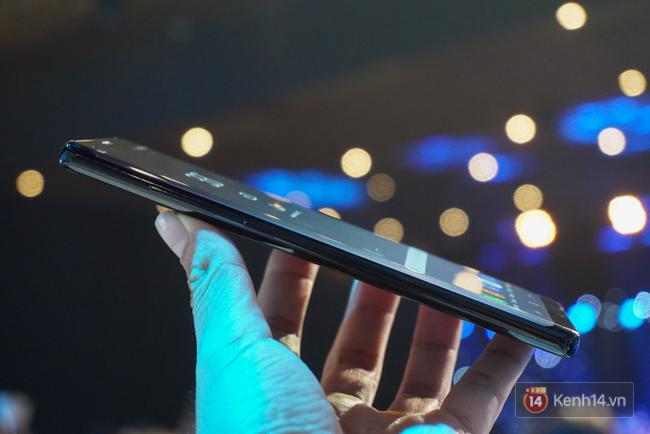 Trên tay Samsung Galaxy Note8 vừa ra mắt tại Việt Nam: Thiết kế rất ấn tượng, giá 22,5 triệu đồng! - Ảnh 6.