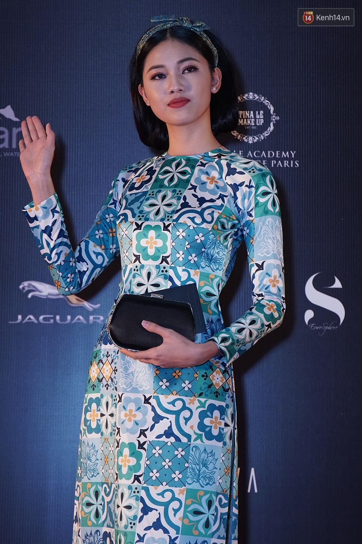 Thảm đỏ VIFW ngày 2: Giữa một dàn hot girl áo dài Quỳnh Anh Shyn, Salim... bỗng xuất hiện Linh Ka mặc váy trắng công chúa - Ảnh 12.