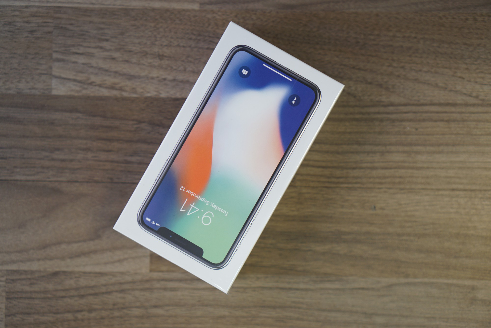 iPhone X giá 68 triệu đây rồi: Màn hình đẹp sắc sảo, thiết kế toàn diện, thao tác hoàn toàn mới - Ảnh 1.