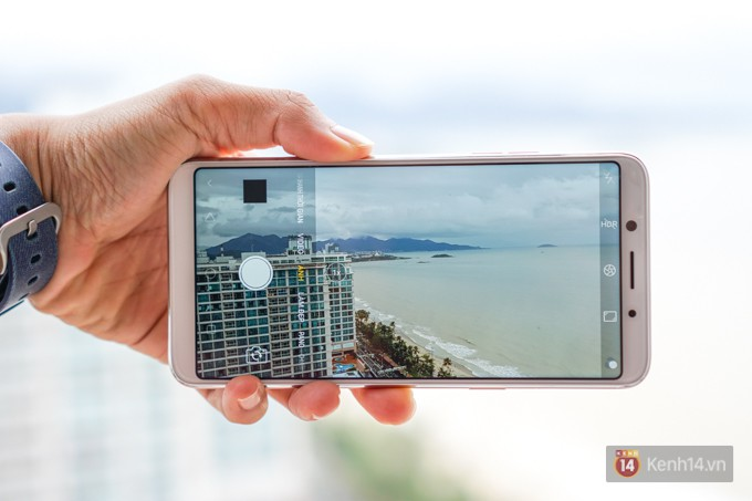 Trên tay F5: chiếc điện thoại viền siêu mỏng đầu tiên của Oppo, trang bị camera selfie AI 20 MP, có cả tính năng mở khóa bằng khuôn mặt - Ảnh 9.