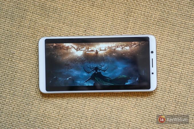 Trên tay F5: chiếc điện thoại viền siêu mỏng đầu tiên của Oppo, trang bị camera selfie AI 20 MP, có cả tính năng mở khóa bằng khuôn mặt - Ảnh 11.