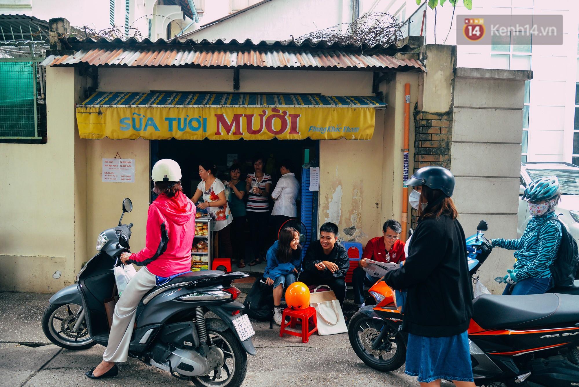 Sữa tươi Mười vào sáng tinh mơ và câu chuyện 20 năm gây thương nhớ của những cô chủ quán dễ thương nhất Sài Gòn - Ảnh 8.