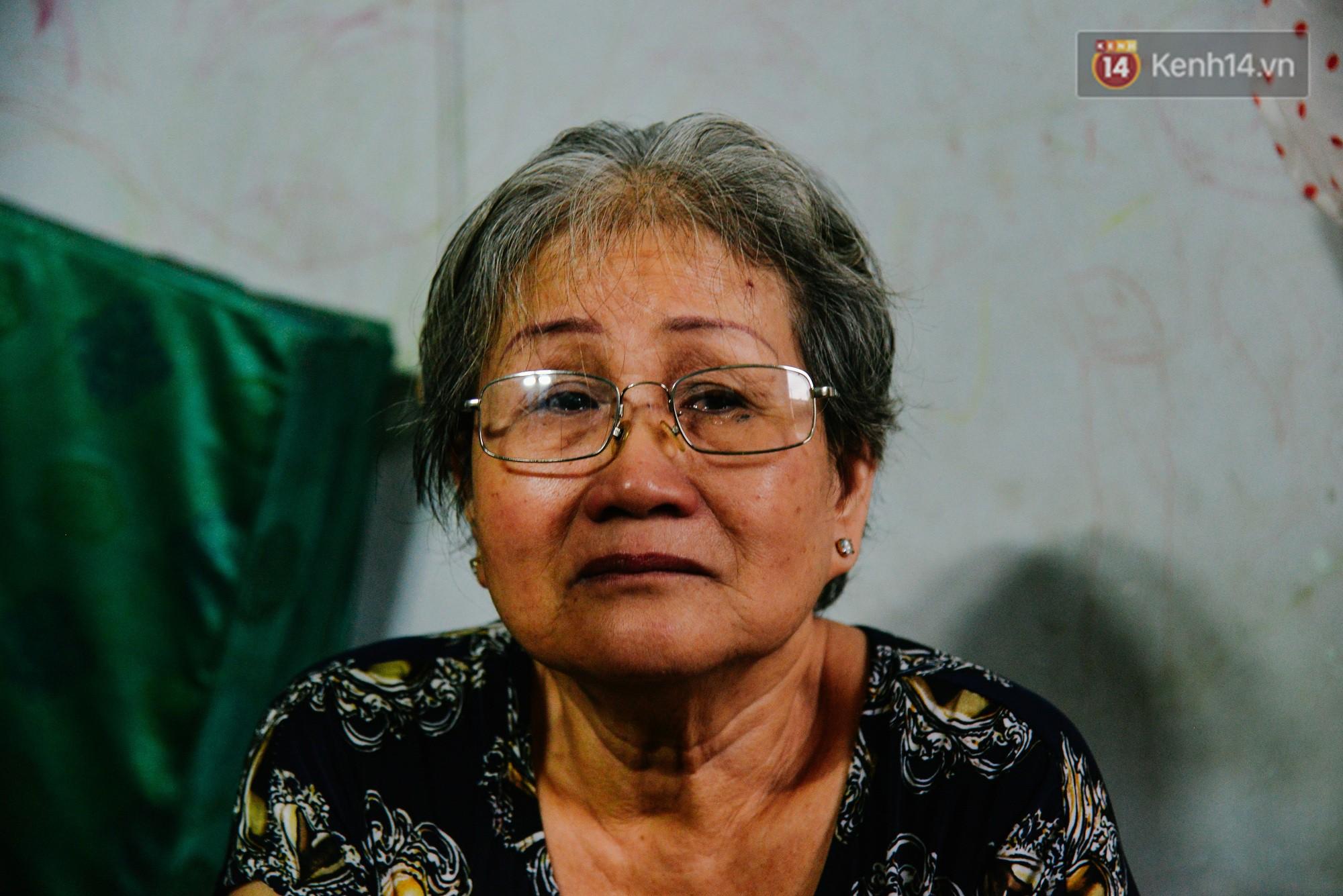 """Chuyện đời của """"cô đào"""" chuyển giới lớn tuổi nhất Việt Nam: Nửa đời hương phấn và sự đùm bọc của người bạn già tri kỷ - Ảnh 4."""