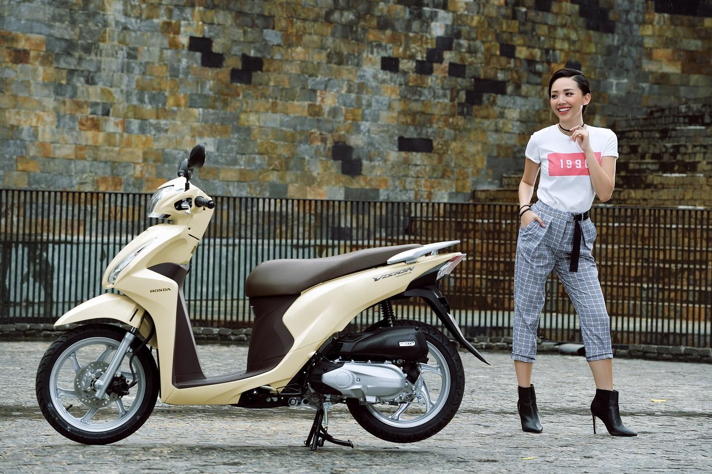 Noo Phước Thịnh, Tóc Tiên bất ngờ khoe cá tính với phong cách trẻ trung, năng động - Ảnh 8.