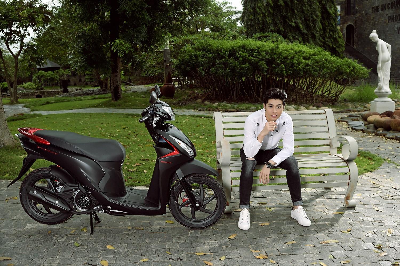Noo Phước Thịnh, Tóc Tiên bất ngờ khoe cá tính với phong cách trẻ trung, năng động - Ảnh 3.