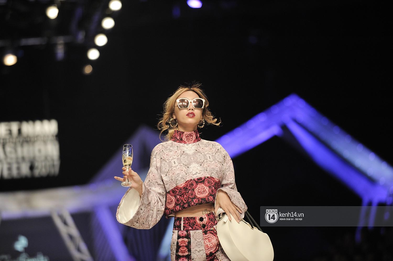 VIFW ngày 3: Huyền My tái xuất ngoạn mục, Võ Hoàng Yến lại làm vedette trong show Claret Giang Lê - Ảnh 6.