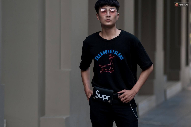 Street style 2 miền: các bạn trẻ lăng xê nhiệt tình cho túi cắp nách và họa tiết kẻ caro - Ảnh 16.