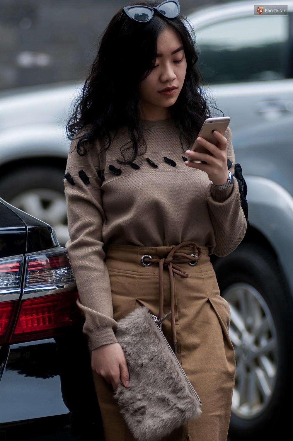 Street style 2 miền: không thời trang phang thời tiết, giới trẻ trổ tài lên đồ ấm áp nhưng vẫn hút mắt - Ảnh 6.