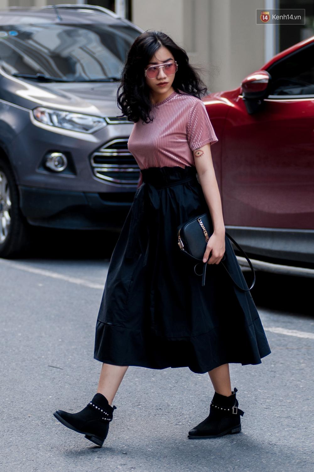 Street style 2 miền: Dù theo phong cách nữ tính hay cool ngầu, các bạn trẻ cũng mix đồ cực hay và diện toàn item trendy nhất - Ảnh 7.