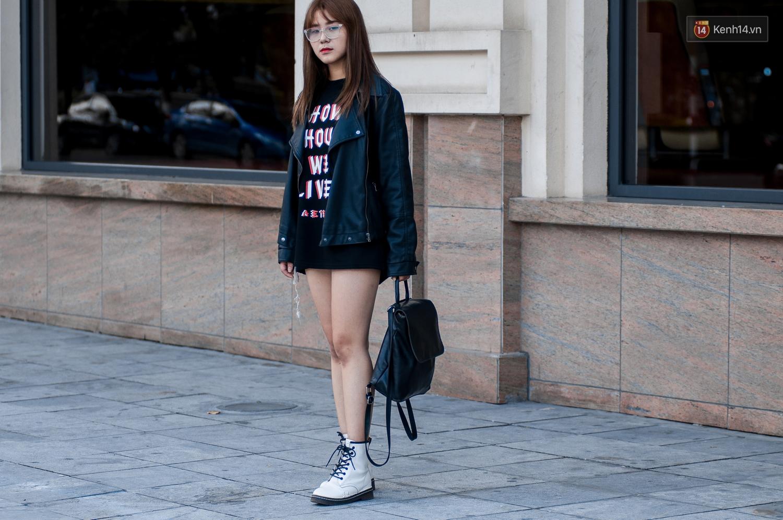 Street style 2 miền: Dù theo phong cách nữ tính hay cool ngầu, các bạn trẻ cũng mix đồ cực hay và diện toàn item trendy nhất - Ảnh 9.