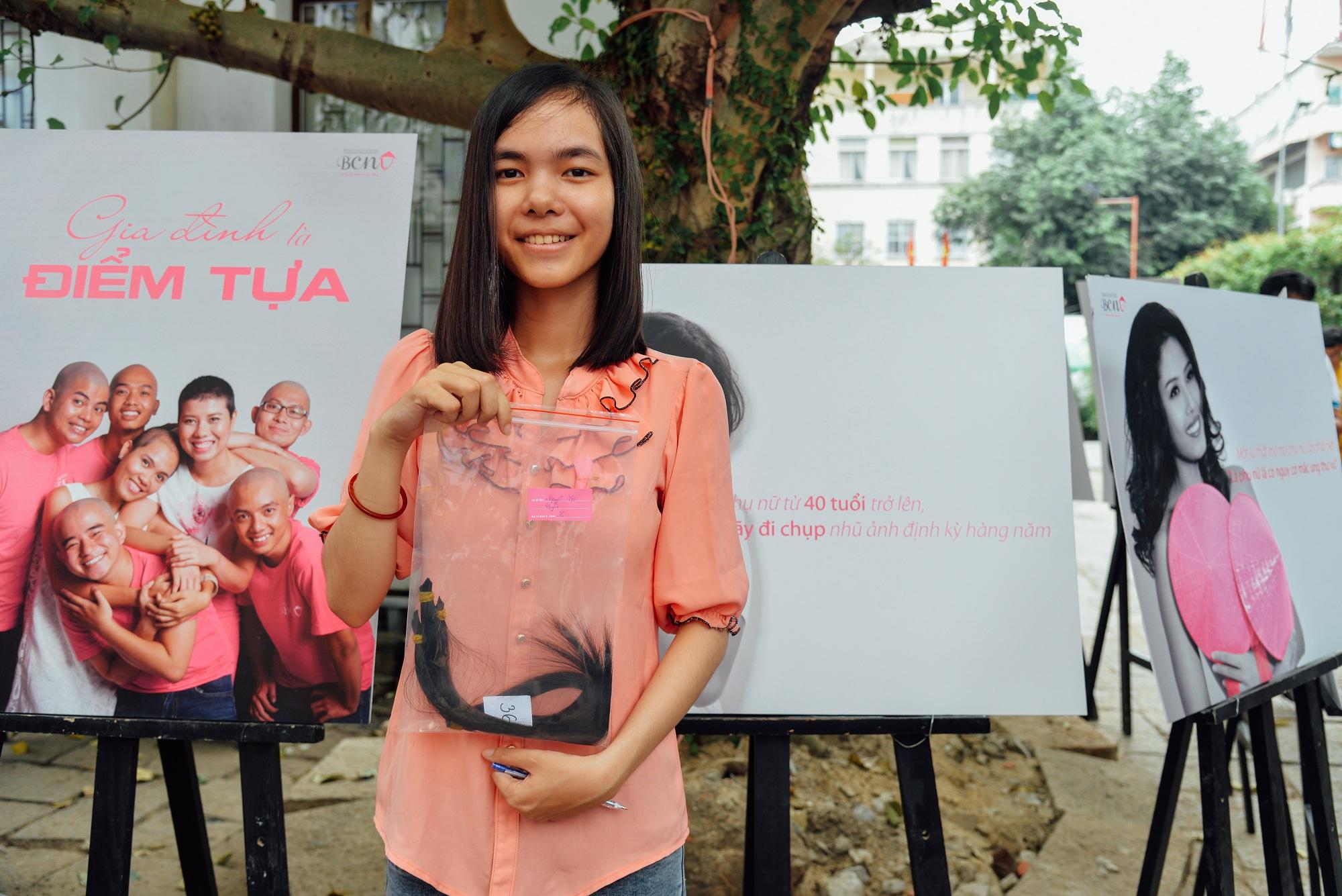 Hơn 4000 mái tóc được bạn trẻ Sài Gòn hiến tặng cho các bệnh nhân ung thư vú - Ảnh 4.