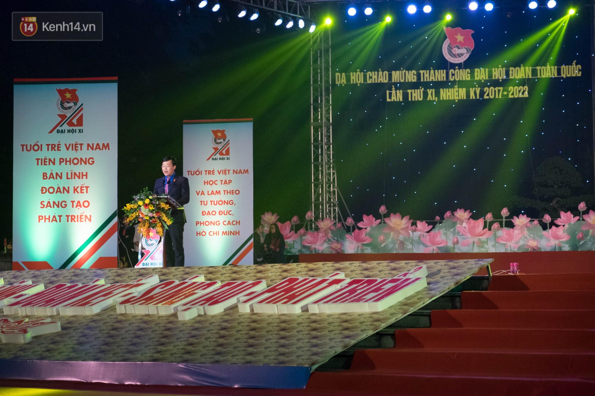 Dạ hội chào mừng thành công Đại hội Đoàn toàn quốc với màn hợp xướng 50 SV cực hoành tráng - Ảnh 2.