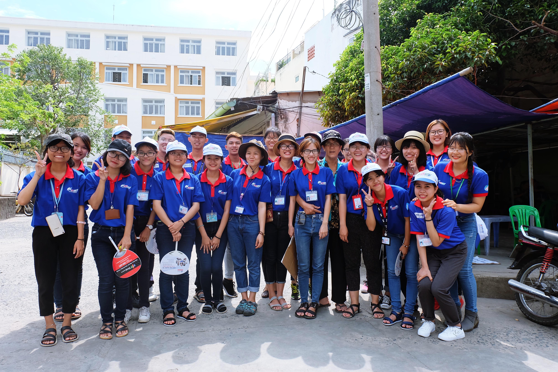 Gặp cô bán xôi ở Sài Gòn vượt hơn 10 cây số đèo nam sinh về lấy giấy tờ để kịp giờ thi THPT quốc gia - Ảnh 10.