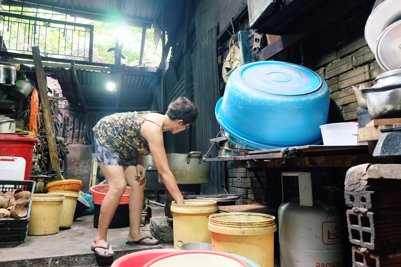 Gặp cô bán xôi ở Sài Gòn vượt hơn 10 cây số đèo nam sinh về lấy giấy tờ để kịp giờ thi THPT quốc gia - Ảnh 9.