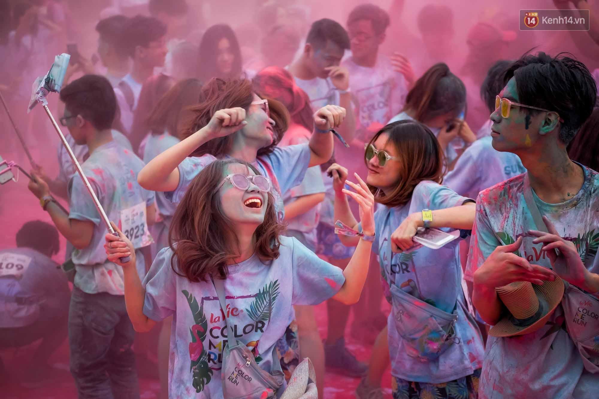 Những khoảnh khắc chứng minh đi Color Me Run lúc nào cũng vui và được quẩy hết mình! - Ảnh 4.