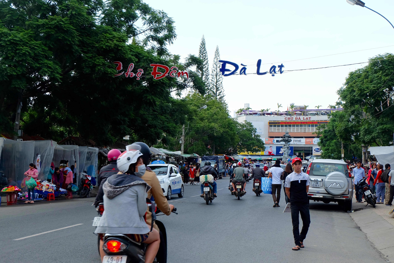 Đà Lạt: Quảng trường Lâm Viên tấp nập du khách dịp nghỉ lễ Quốc khánh - Ảnh 13.