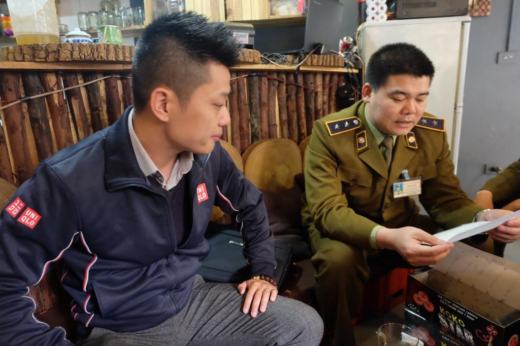 Hà Nội: Xử phạt nhiều hộ kinh doanh bán bóng cười cho giới trẻ ở phố cổ - Ảnh 5.