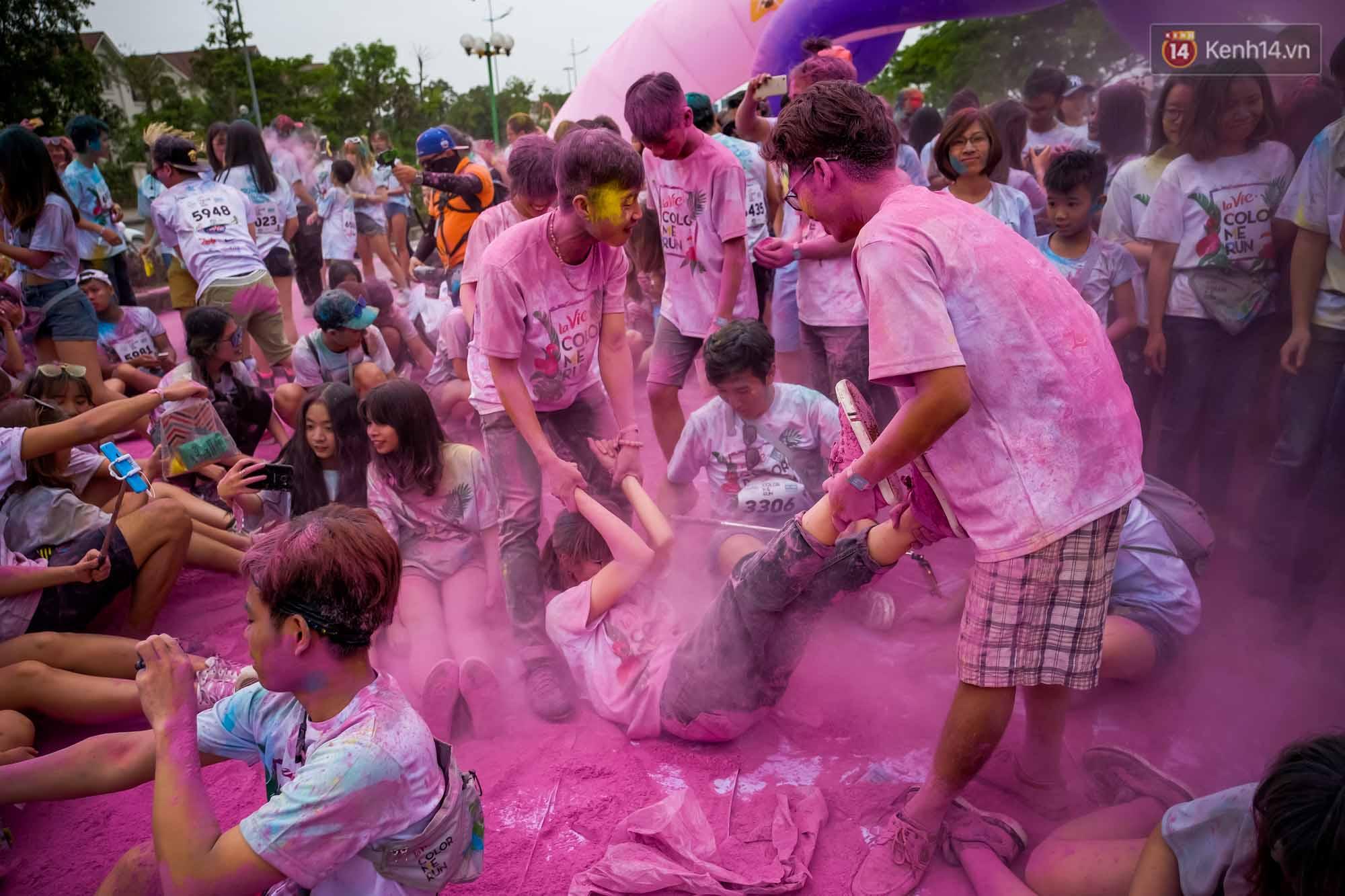 Những khoảnh khắc chứng minh đi Color Me Run lúc nào cũng vui và được quẩy hết mình! - Ảnh 10.