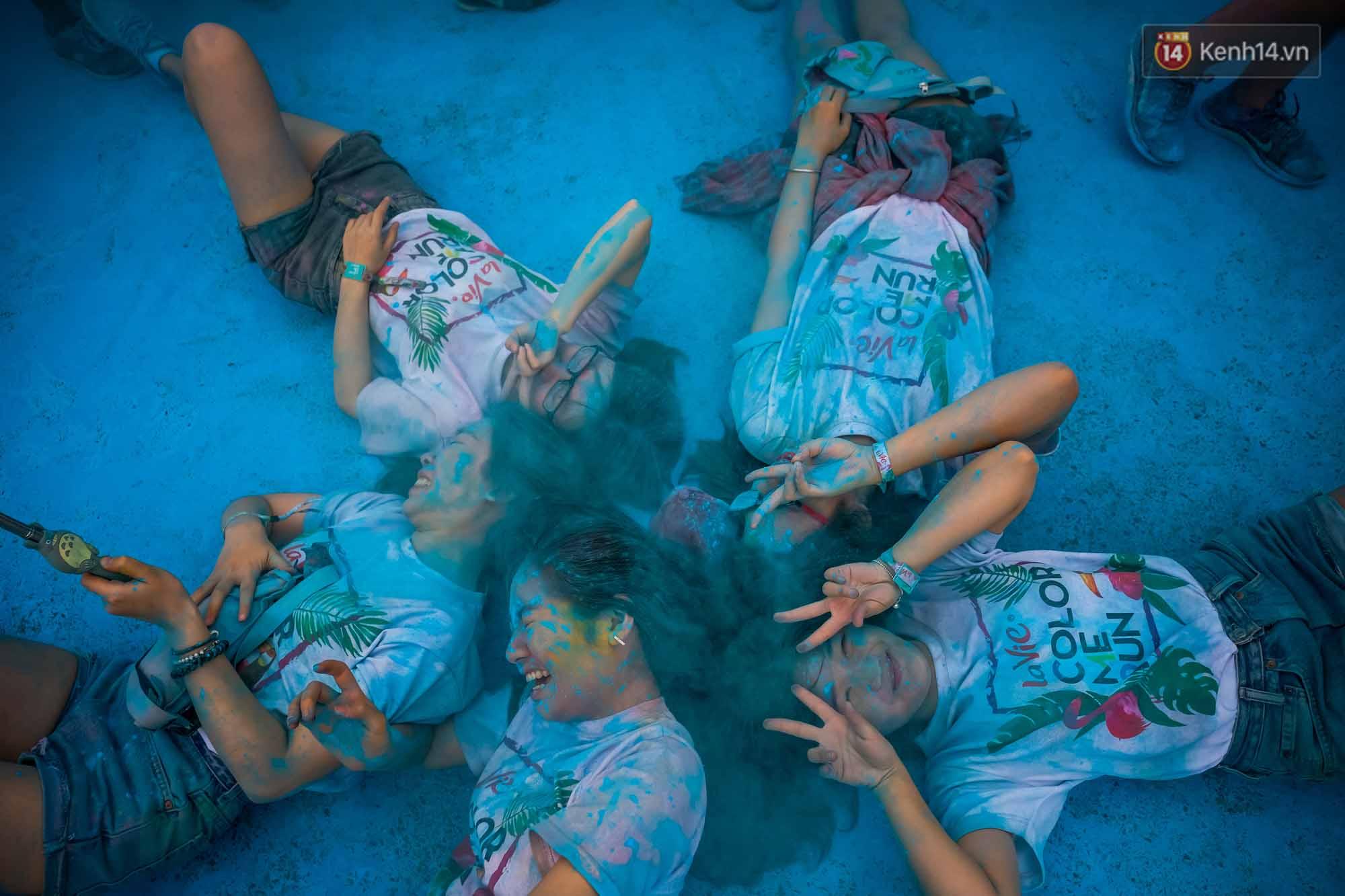Những khoảnh khắc chứng minh đi Color Me Run lúc nào cũng vui và được quẩy hết mình! - Ảnh 12.