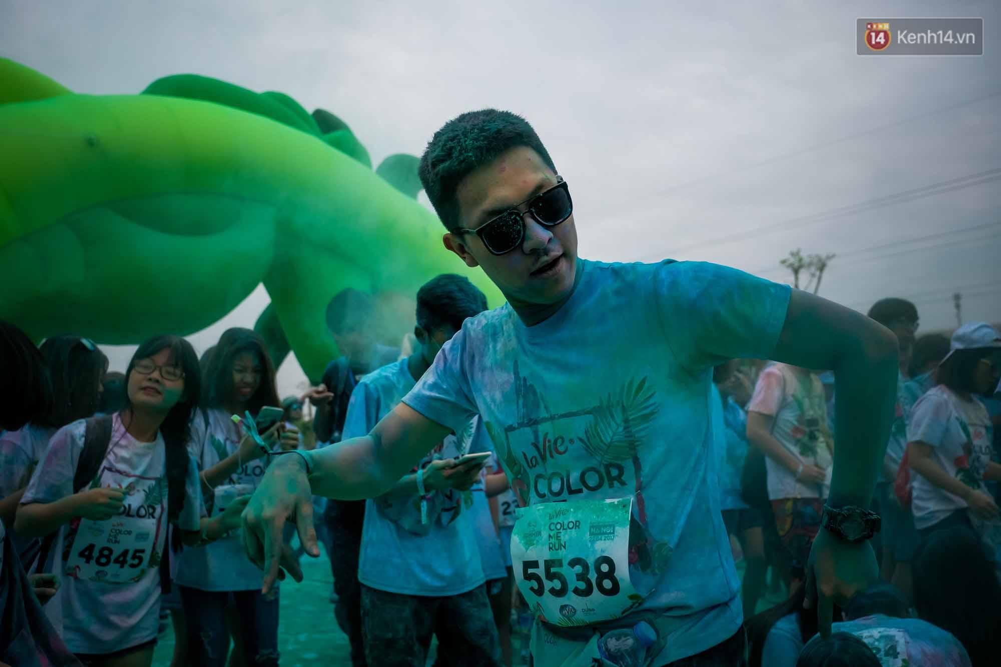 Những khoảnh khắc chứng minh đi Color Me Run lúc nào cũng vui và được quẩy hết mình! - Ảnh 15.