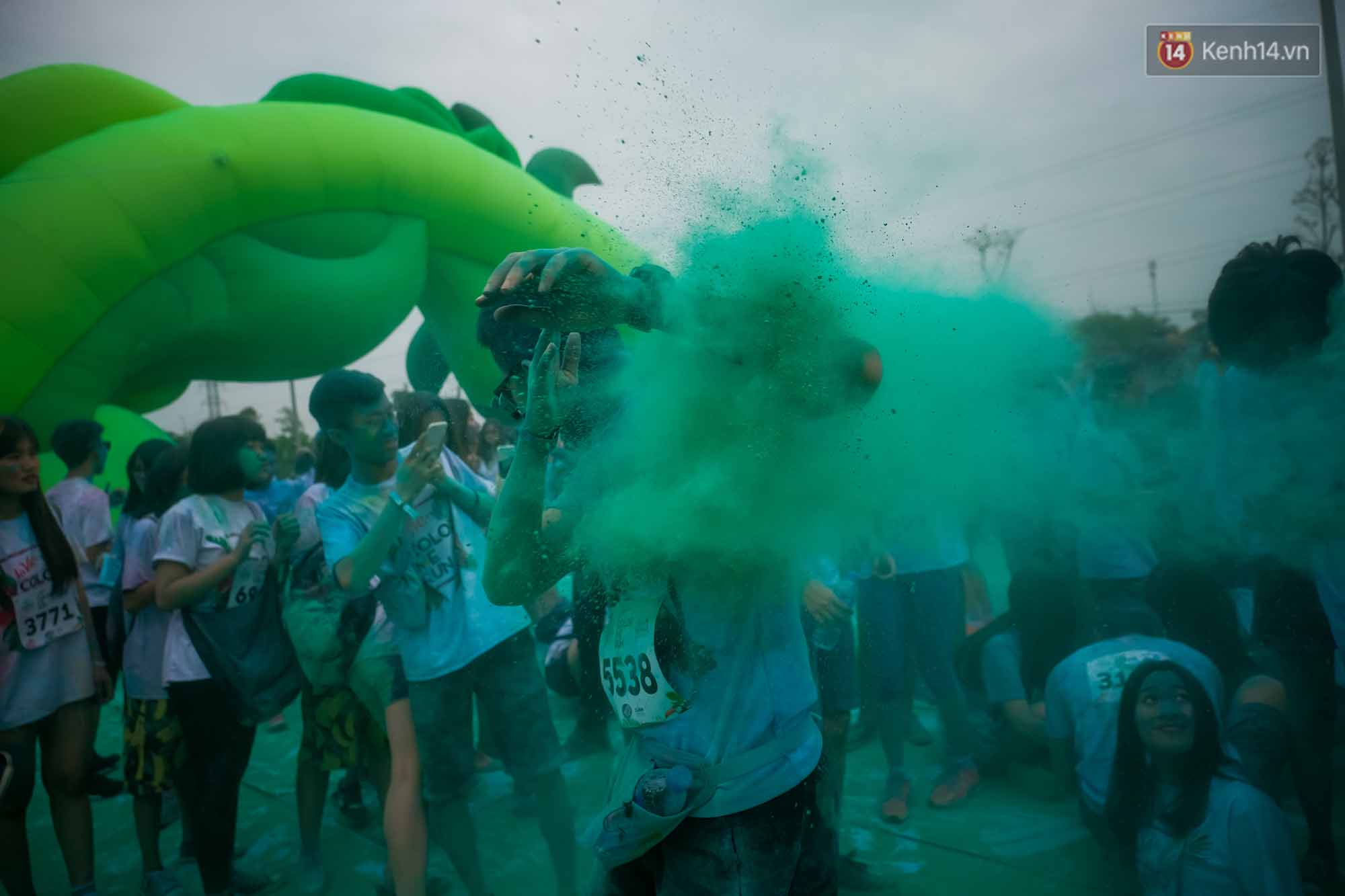 Những khoảnh khắc chứng minh đi Color Me Run lúc nào cũng vui và được quẩy hết mình! - Ảnh 16.