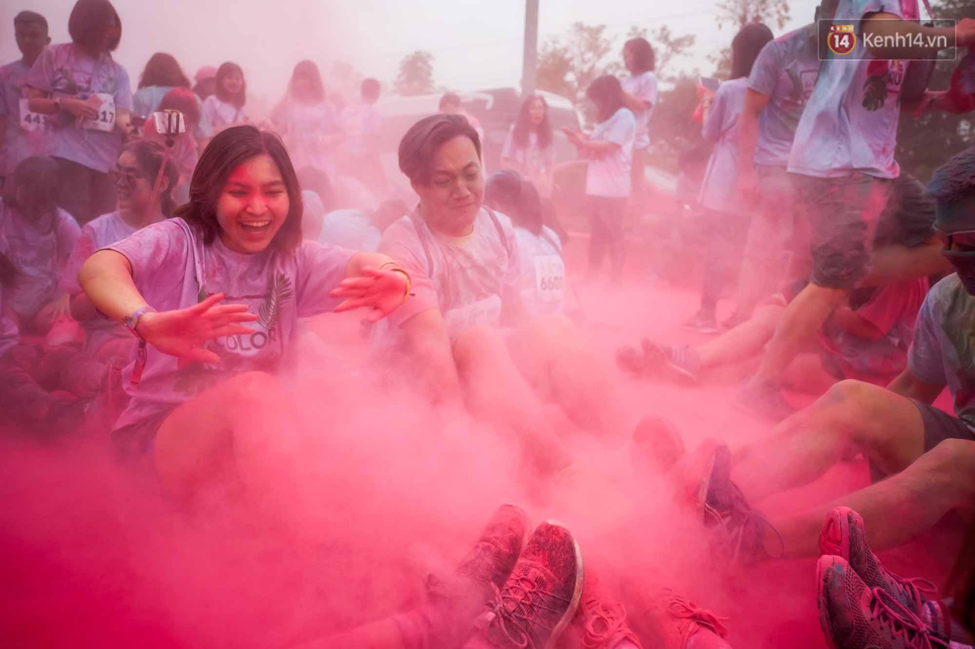 Những khoảnh khắc chứng minh đi Color Me Run lúc nào cũng vui và được quẩy hết mình! - Ảnh 18.