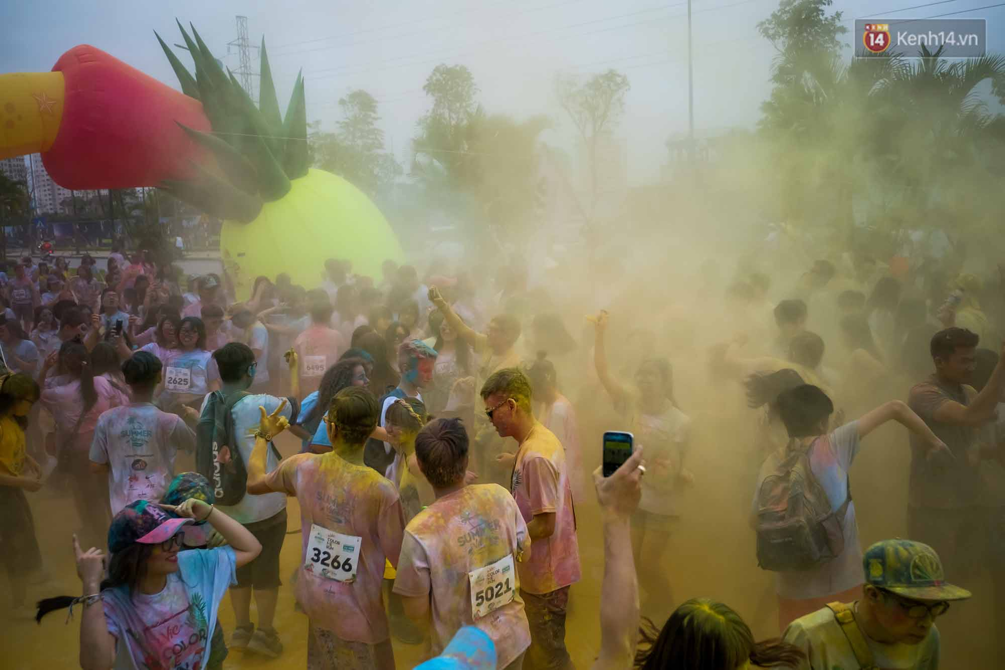 Những khoảnh khắc chứng minh đi Color Me Run lúc nào cũng vui và được quẩy hết mình! - Ảnh 21.