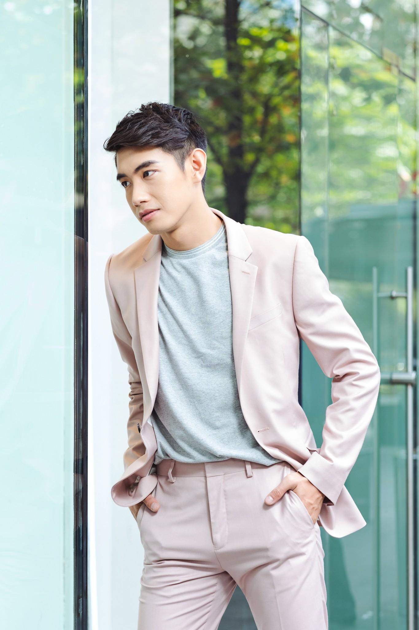 Học cách biến hóa cùng chàng dancer Quang Đăng với những bộ suit Topman - Ảnh 8.
