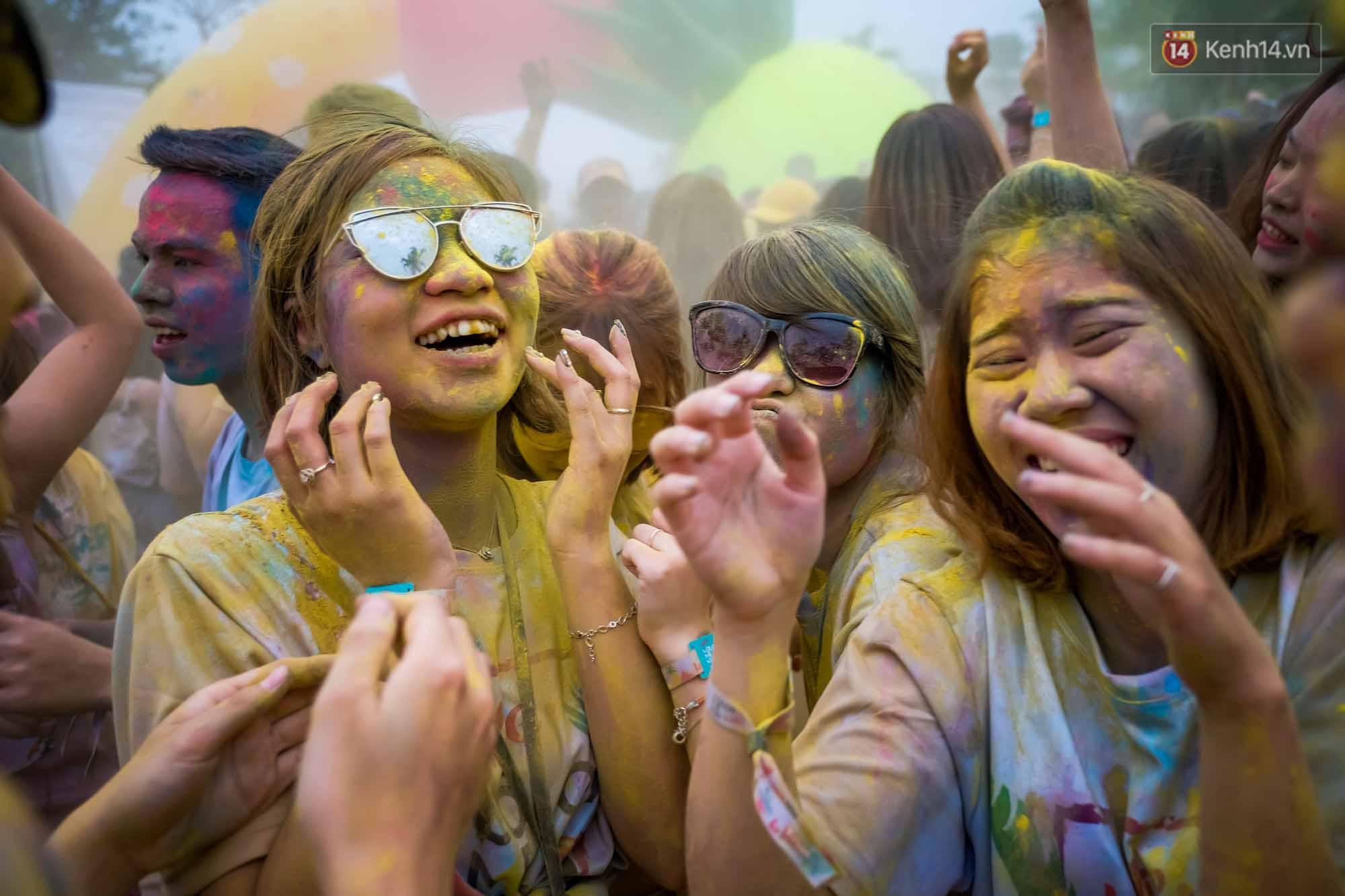 Những khoảnh khắc chứng minh đi Color Me Run lúc nào cũng vui và được quẩy hết mình! - Ảnh 23.
