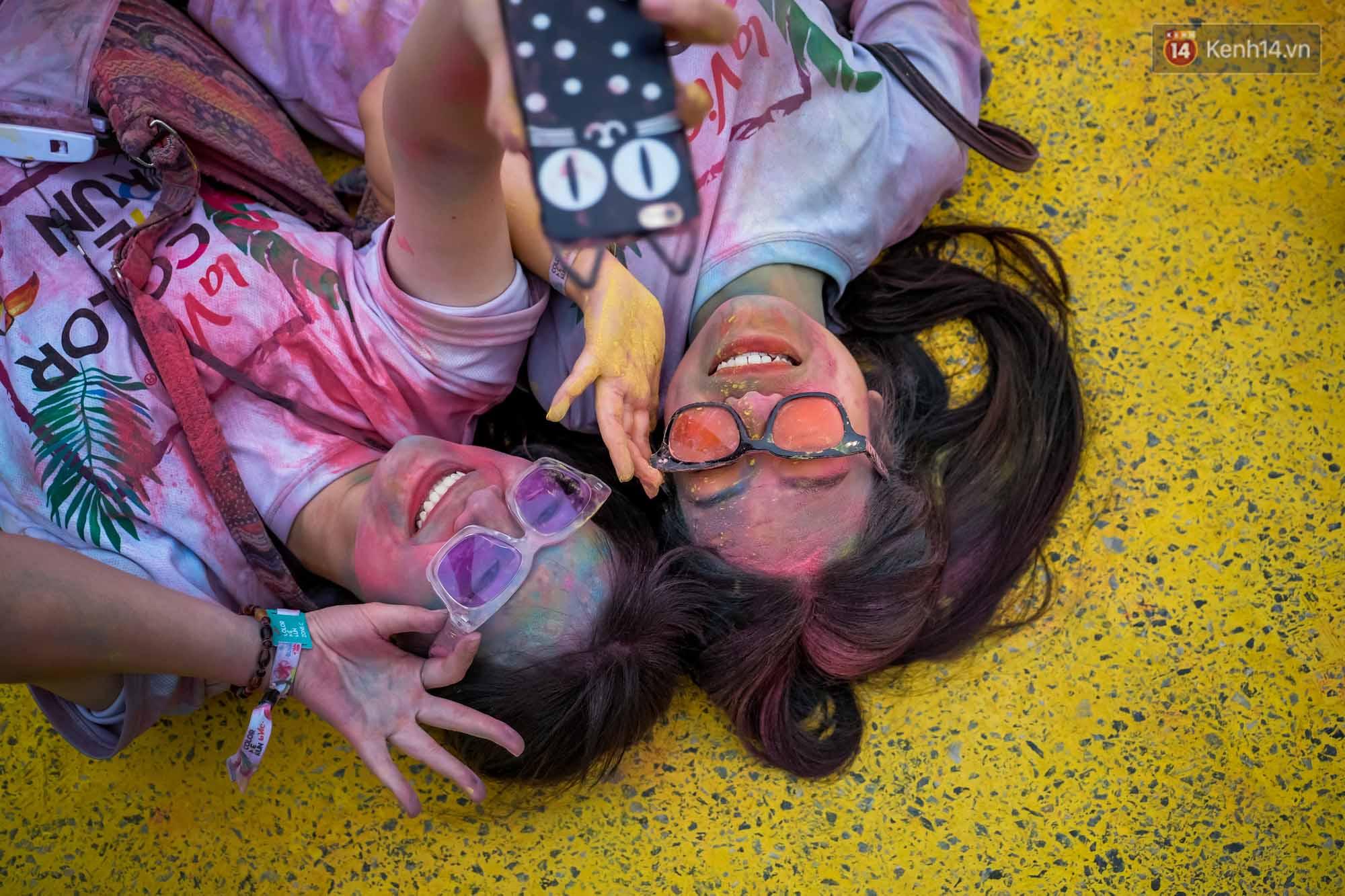 Những khoảnh khắc chứng minh đi Color Me Run lúc nào cũng vui và được quẩy hết mình! - Ảnh 25.
