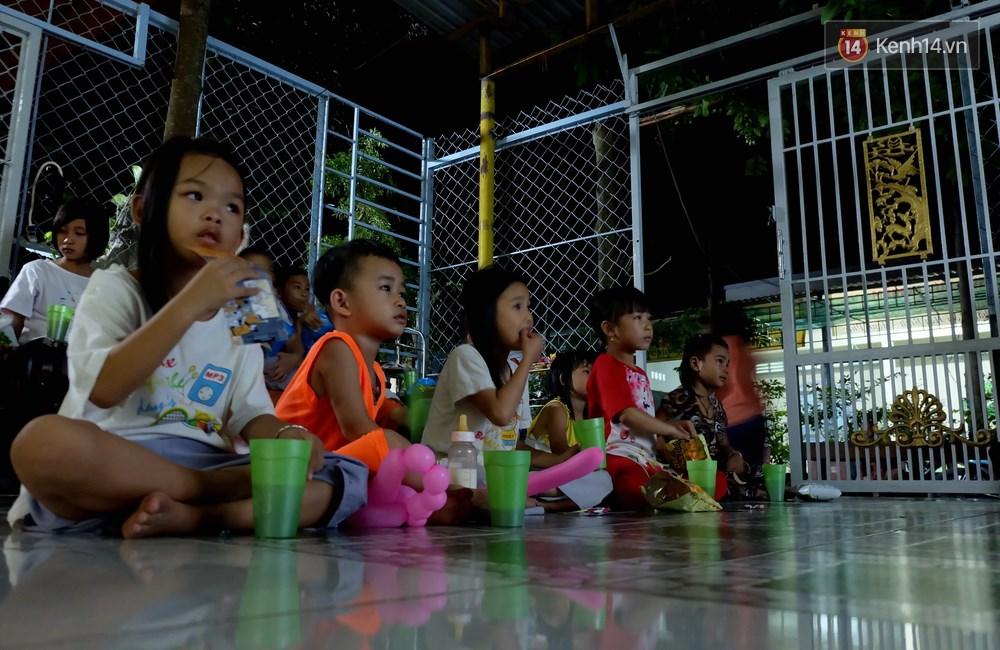 Rạp phim 300k ở miền Tây - Đưa ciné về miền quê cho tụi con nít nghèo - Ảnh 8.