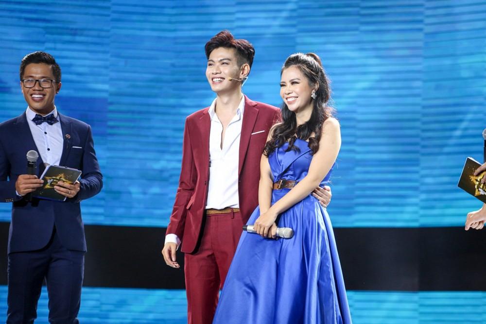 Cặp đôi hoàn hảo: Erik nằm vật ra sân khấu ăn vạ vì mất trai đẹp vào tay Hòa Minzy - Ảnh 14.