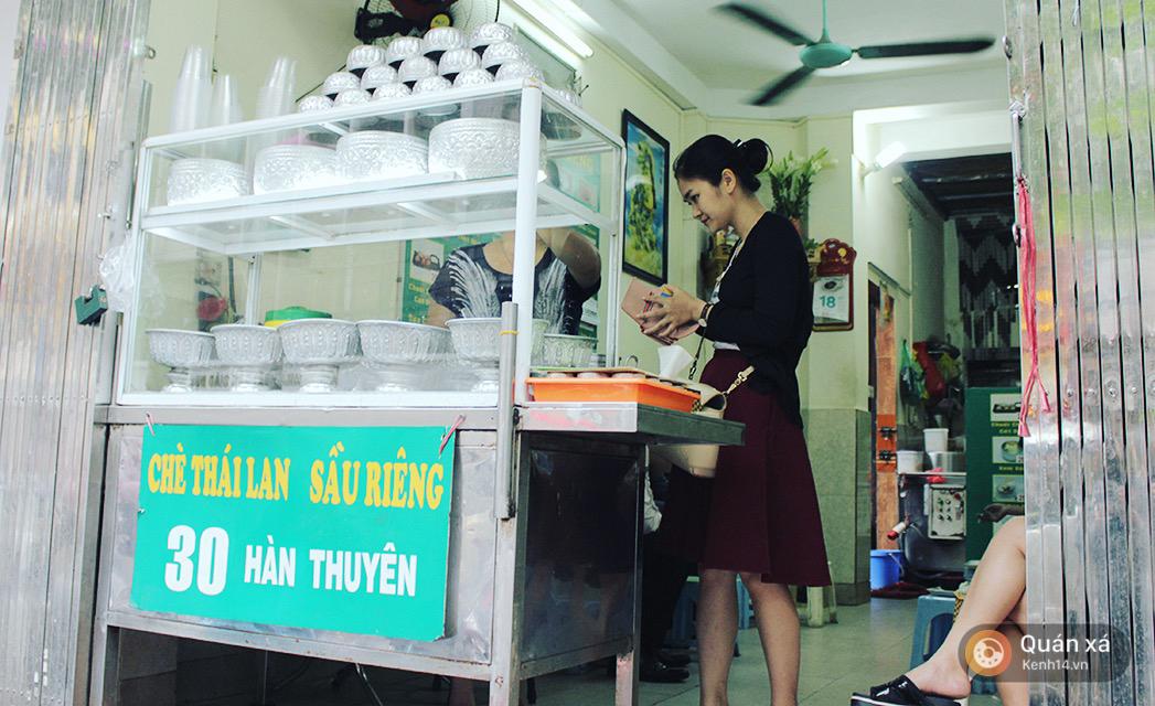 2 món ăn trong quả dừa đang cực hot ở Hà Nội bạn nhất định phải thử - Ảnh 7.