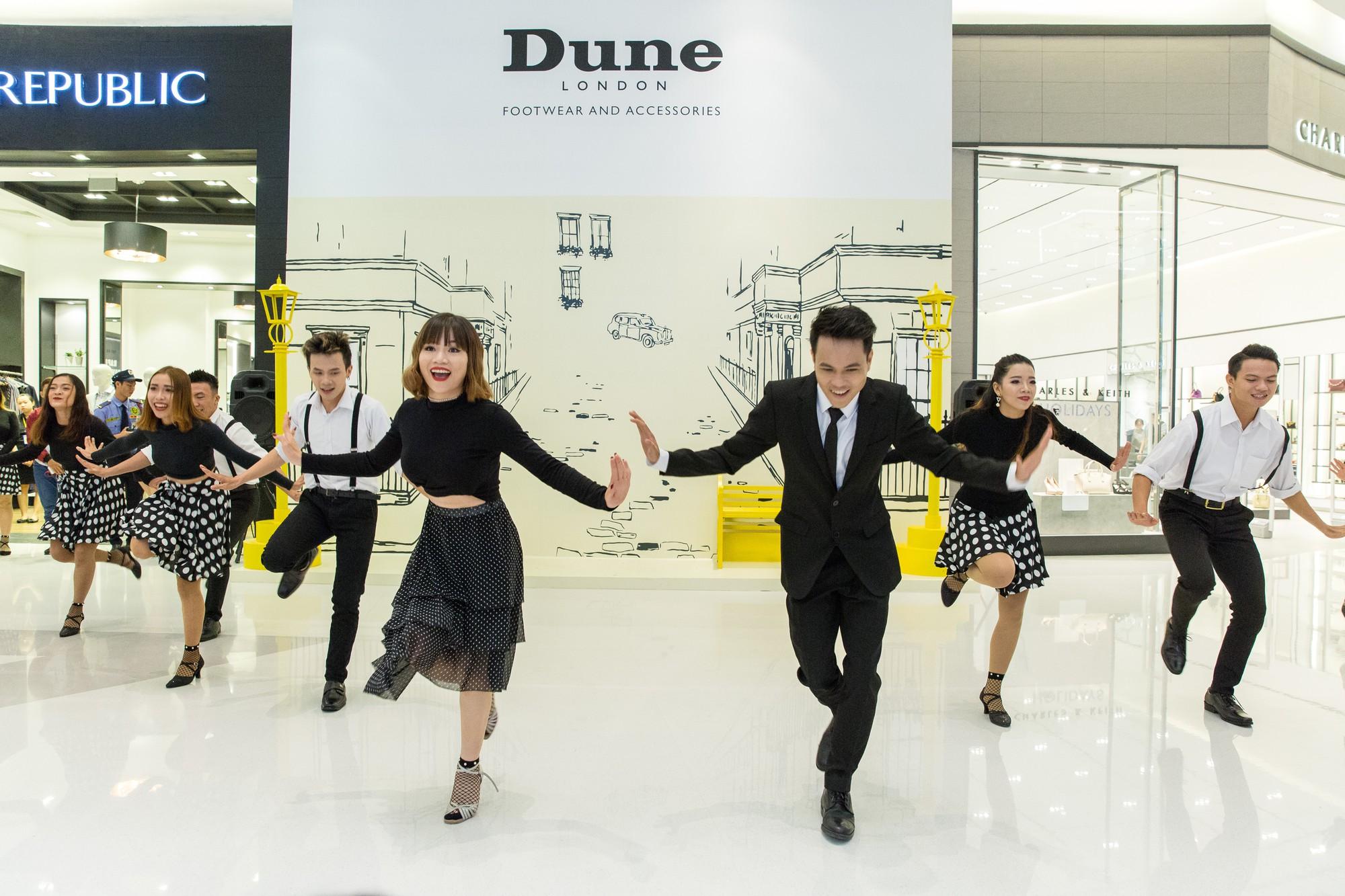 Tăng Thanh Hà, Phillip Nguyễn cùng Kim Nhung dự khai trương thương hiệu giày đến từ Anh Quốc - Ảnh 8.
