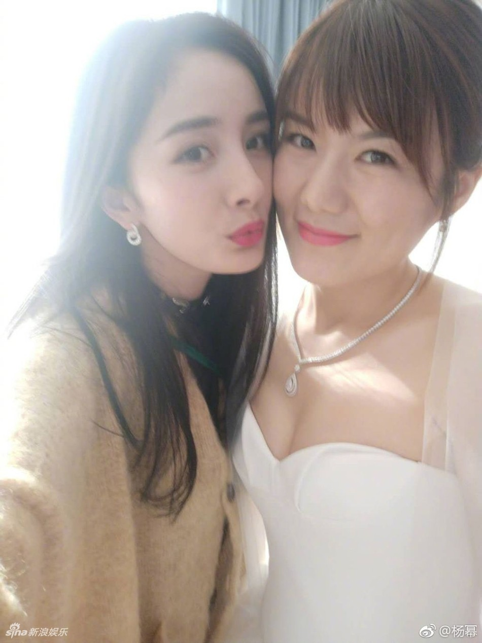 Đám cưới nhỏ bất ngờ thu hút chú ý vì sự xuất hiện xinh đẹp lấn át cô dâu của Dương Mịch - Ảnh 5.