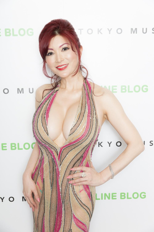 eca834b10668818a7b102d235dbac3ed 1512454975338 Sao phim sex Nhật Mika Kano đăng tuyển bạn trai trên 18 tuổi