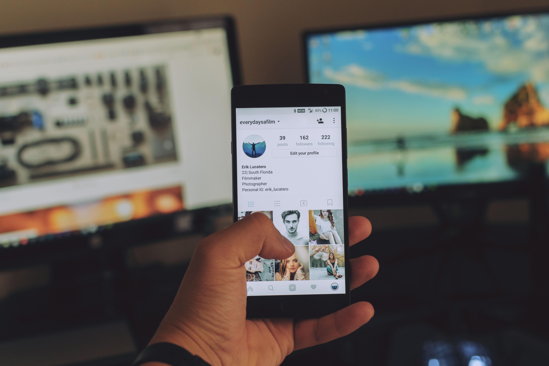 Không phải Facebook, Instagram mới là mạng xã hội gây nguy hại nhất tới tâm